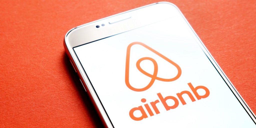 aplicaciones ganar dinero 2020 y ganar dinero 2021 - AirBNB